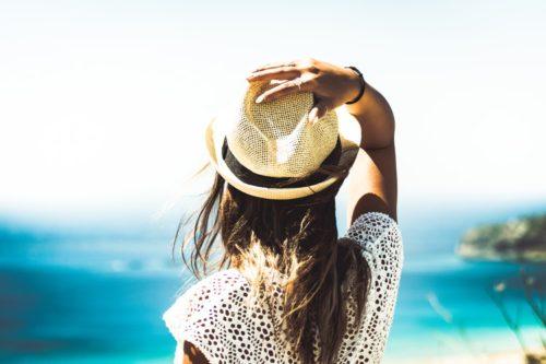 日焼け止めは夏だけでなく一年を通して使う