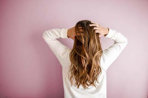 髪のにおいやべたつきが気になる・・・