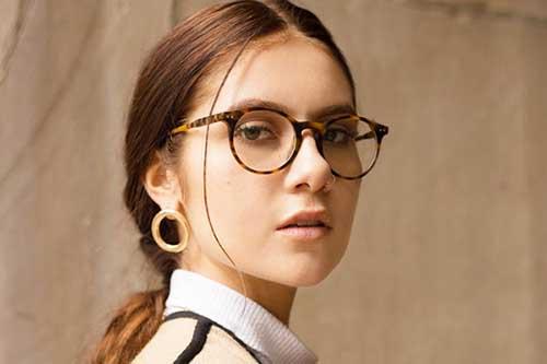 可愛く見えるメガネを見つけたい!