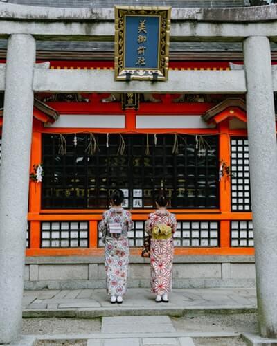 美容と縁結びに御利益のある神社を参拝して可愛くなりたい!